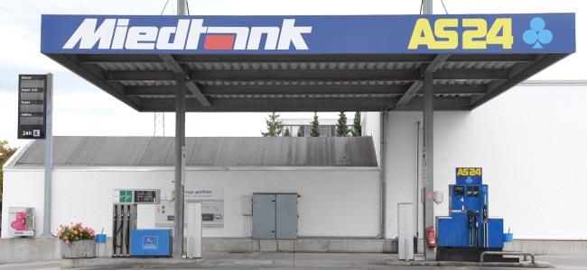 http://new.miedtank.com/wp-content/uploads/2019/08/autopark-tankstelle-lkw-bus-pritsche-miedtank-stuttgart-650x300.jpg